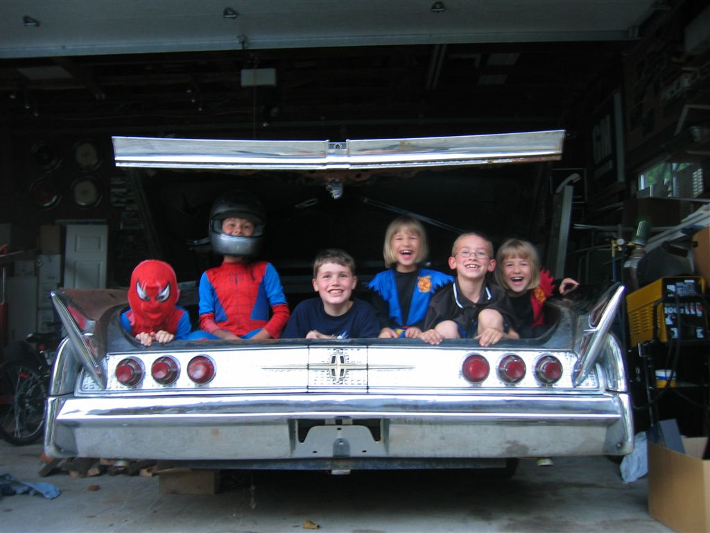 1960 Lincoln Trunk Kids